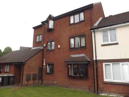 2 Bedrooms Flat for sale in Barmouth Close, Callands, Warrington, Cheshire, WA5