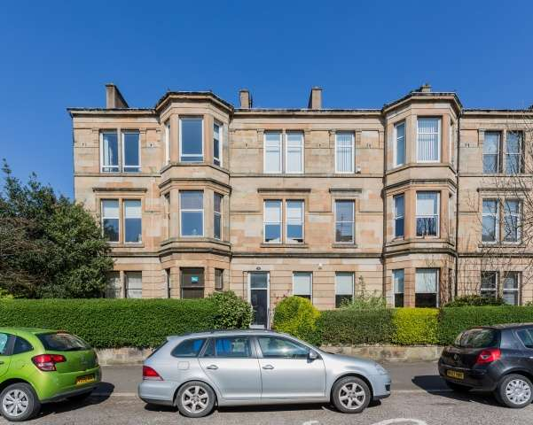 3 Bedrooms Ground Flat for sale in Espedair Street, Paisley, PA2 6NU