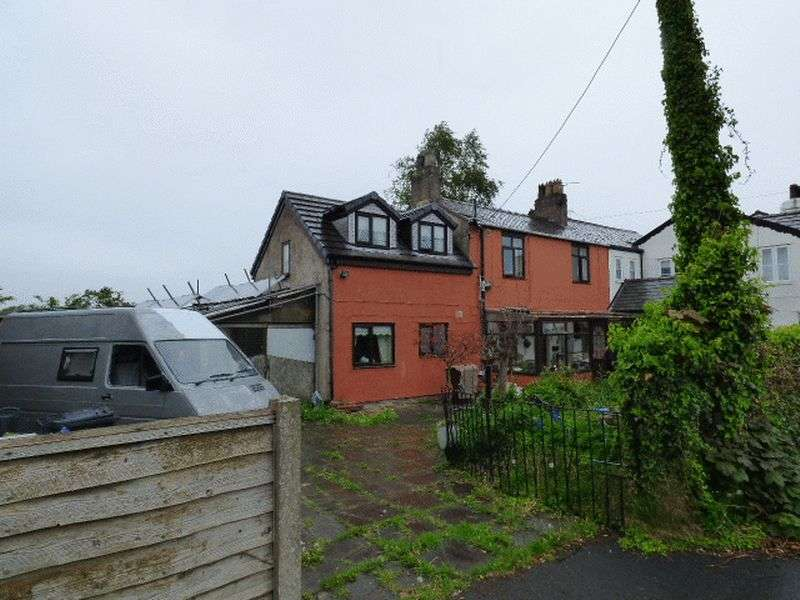 3 Bedrooms Semi Detached House for sale in Prescot Road, Melling