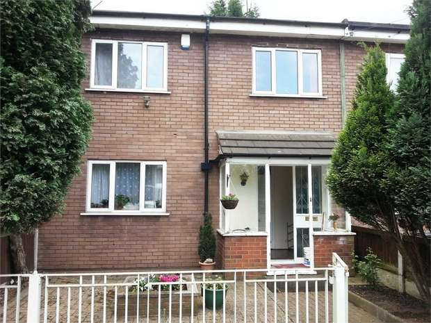 4 Bedrooms Terraced House for sale in Falkland Avenue, Manchester