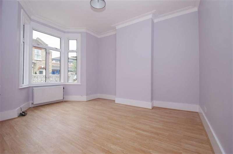 4 Bedrooms Property for rent in Gayford Road, Shepherds Bush
