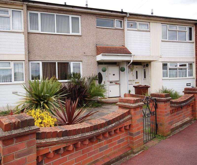 3 Bedrooms Terraced House for sale in Ridgewell Close, Dagenham