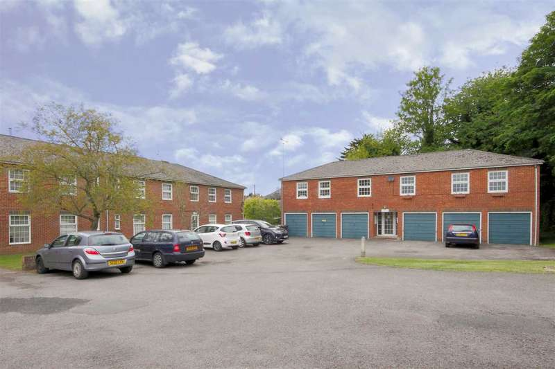 1 Bedroom Apartment Flat for sale in The Green, Charlton, Andover