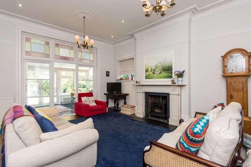 2 Bedrooms Flat for sale in Blenheim Gardens, Willesden Green, NW2