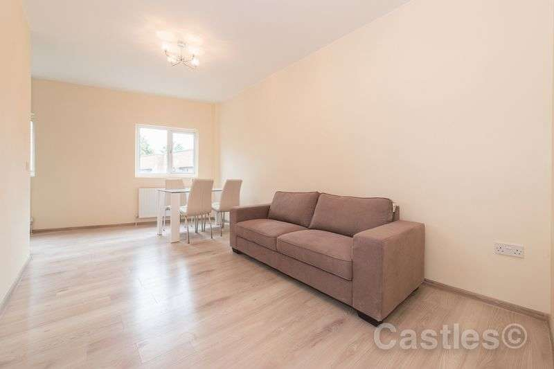 3 Bedrooms Flat for sale in West Green Road N15