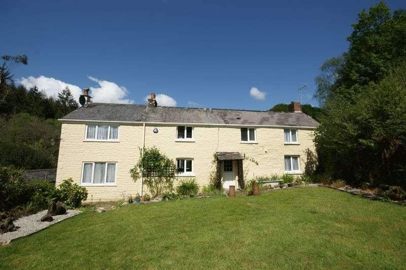 3 Bedrooms Detached House for sale in Cardinham, Bodmin