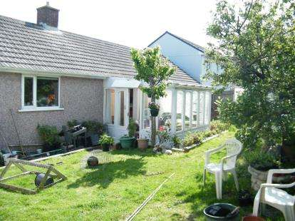 3 Bedrooms Bungalow for sale in Crowlas, Penzance, Cornwall