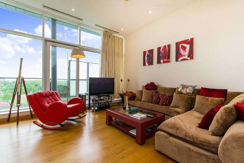 2 Bedrooms Flat for sale in Chelsea Bridge Wharf, Battersea Park, SW8