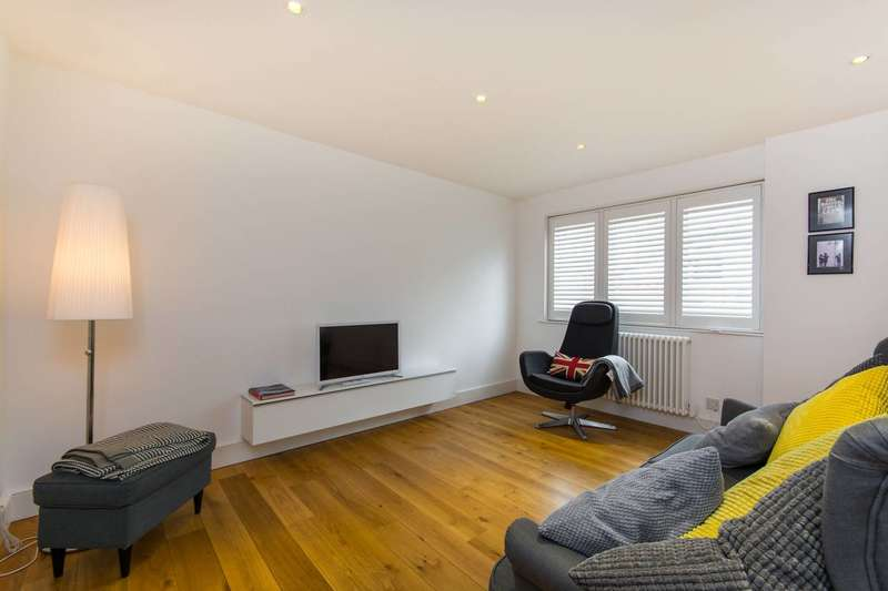 2 Bedrooms House for sale in Union Mews, Clapham North, SW4