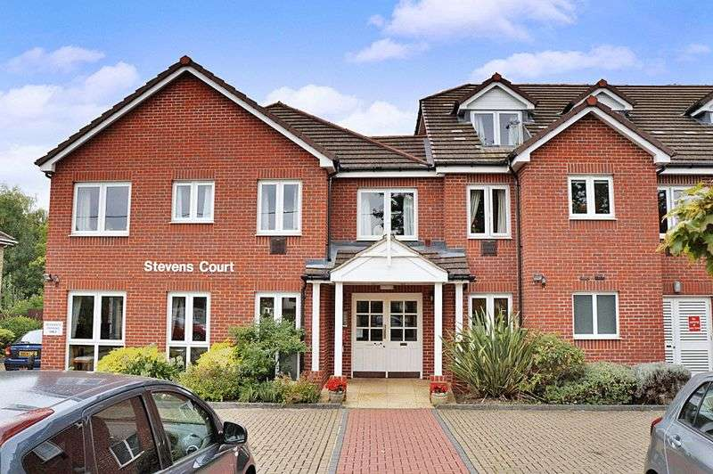 1 Bedroom Retirement Property for sale in Stevens Court, Wokingham, RG41 5GU