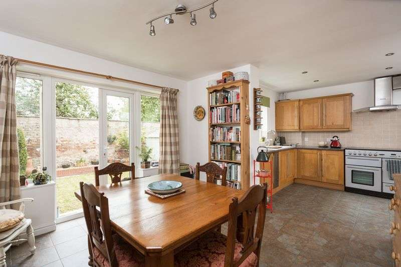 4 Bedrooms Detached House for sale in Westminster Road, York