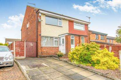 2 Bedrooms Semi Detached House for sale in Derby Street, Heywood, Greater Manchester, OL10