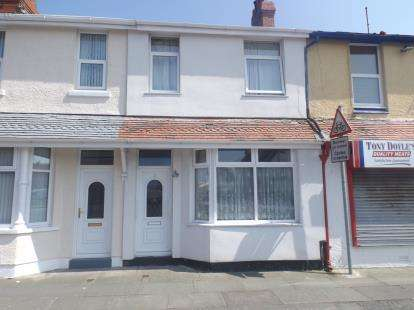 3 Bedrooms Terraced House for sale in Alexandra Road, Llandudno, Conwy, LL30
