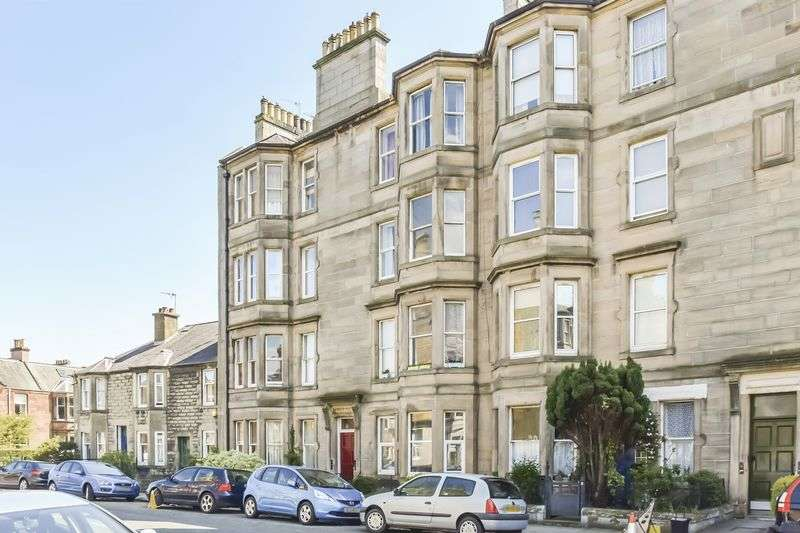 2 Bedrooms Flat for sale in 7/5 Darnell Road, Trinity, Edinburgh, EH5 3PQ