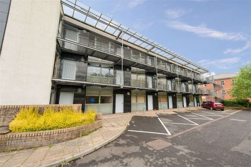 1 Bedroom Flat for sale in Clive Street, Bolton, Lancashire