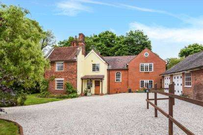 6 Bedrooms Detached House for sale in Latton Common, Nr Harlow, Essex