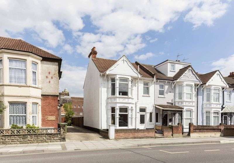 3 Bedrooms Terraced House for sale in Baffins Road, Copnor, Portsmouth