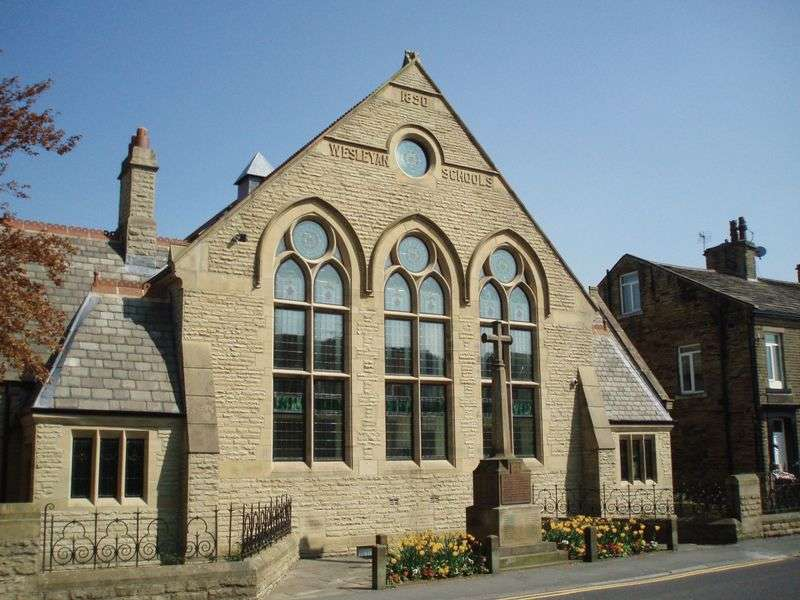 2 Bedrooms Flat for sale in Main Street, Wilsden