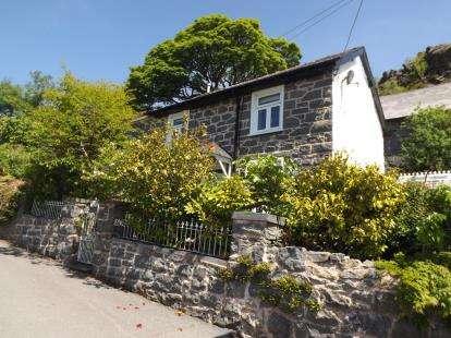 3 Bedrooms Semi Detached House for sale in Bethania, Blaenau Ffestiniog, Gwynedd, LL41