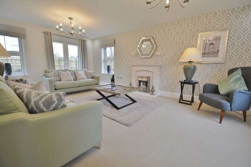 4 Bedrooms Detached House for sale in Off Top Lane, Kempsford, Gloucestershire.
