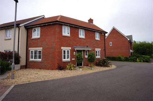 3 Bedrooms Semi Detached House for sale in Ryefield Road, Bognor Regis, West Sussex