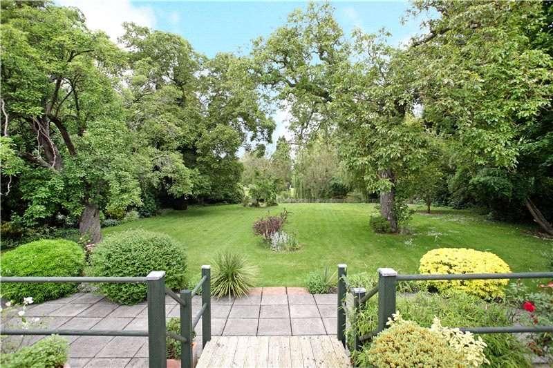 4 Bedrooms Detached Bungalow for sale in Monkey Island Lane, Bray, Maidenhead, Berkshire, SL6
