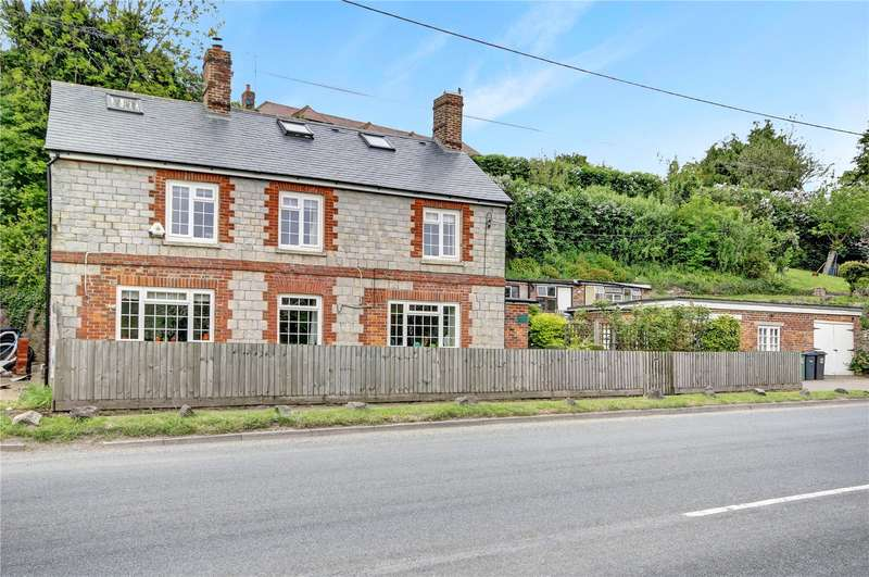 5 Bedrooms Detached House for sale in Bath Road, Fyfield, Marlborough, Wiltshire, SN8