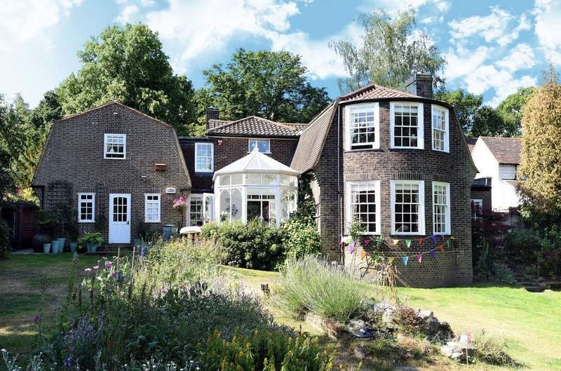 6 Bedrooms Detached House for sale in Ashfield Lane, Chislehurst, BR7