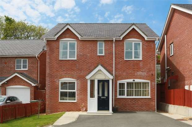 4 Bedrooms Detached House for sale in Maes Berea, Bangor, Gwynedd