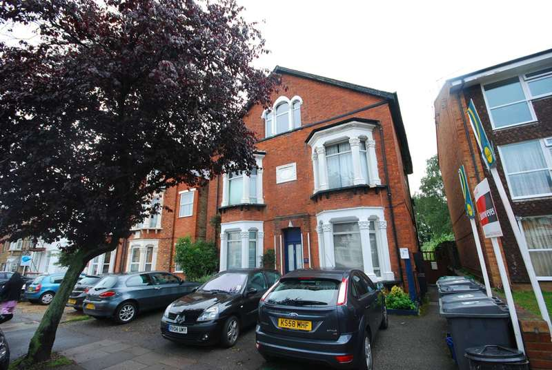 1 Bedroom Flat for sale in Beaconsfield Road, Friern Barnet, N11