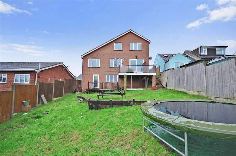 4 Bedrooms Detached House for sale in Waverley Avenue, Minster On Sea, Kent