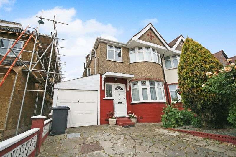 3 Bedrooms Terraced House for sale in The Rise, Greenford