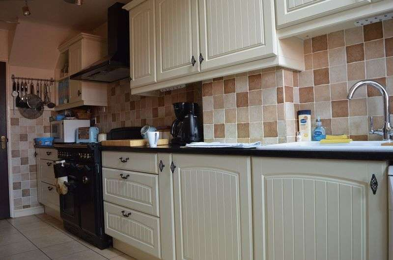 3 Bedrooms Terraced House for sale in Audley Way, Basildon