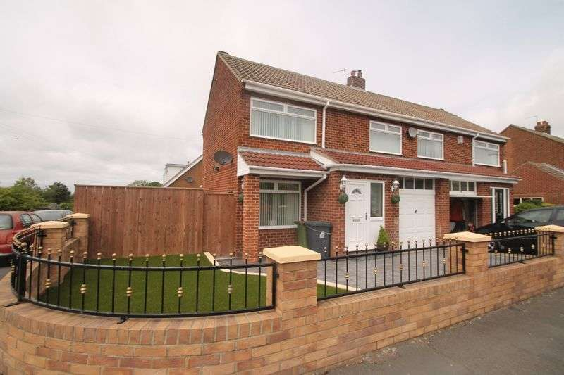 3 Bedrooms Semi Detached House for sale in Westbank Road, Ormesby