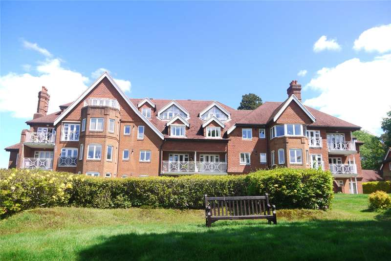 2 Bedrooms Flat for sale in Whitwell Hatch, Scotland Lane, Haslemere, Surrey, GU27