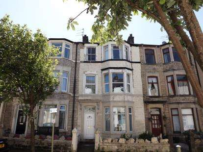 5 Bedrooms Terraced House for sale in Clark Street, Morecambe, Lancashire, United Kingdom, LA4