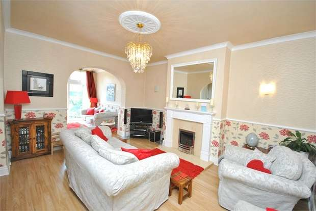4 Bedrooms Semi Detached House for sale in 142 Church Road, St Annes, LYTHAM ST ANNES, Lancashire