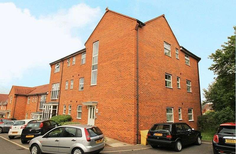 2 Bedrooms Flat for sale in Smalman Close, Stourbridge