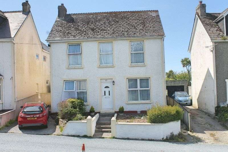 4 Bedrooms Detached House for sale in Trekenning Road, ST COLUMB