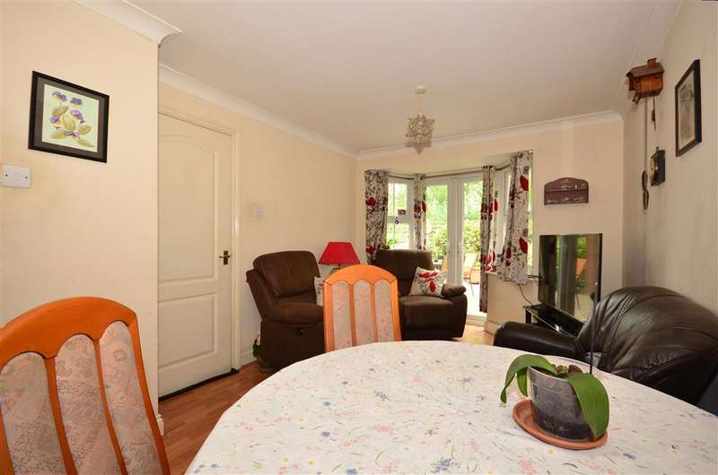 3 Bedrooms Town House for sale in Church Paddock Court, Wallington, Surrey