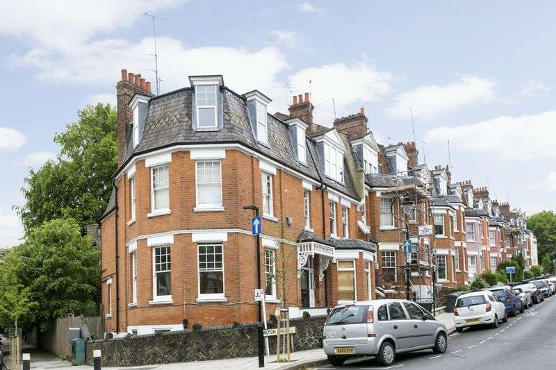 2 Bedrooms Flat for sale in Milton Road, Highgate London, N6