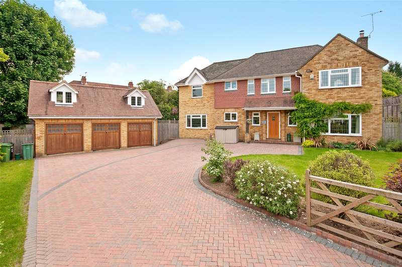 4 Bedrooms Detached House for sale in Cedar Close, Dorking, RH4
