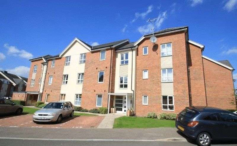 1 Bedroom Flat for sale in Addlestone/Chertsey border