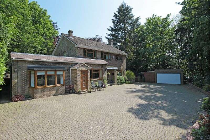 5 Bedrooms Detached House for sale in Warren Road, Crowborough, East Sussex