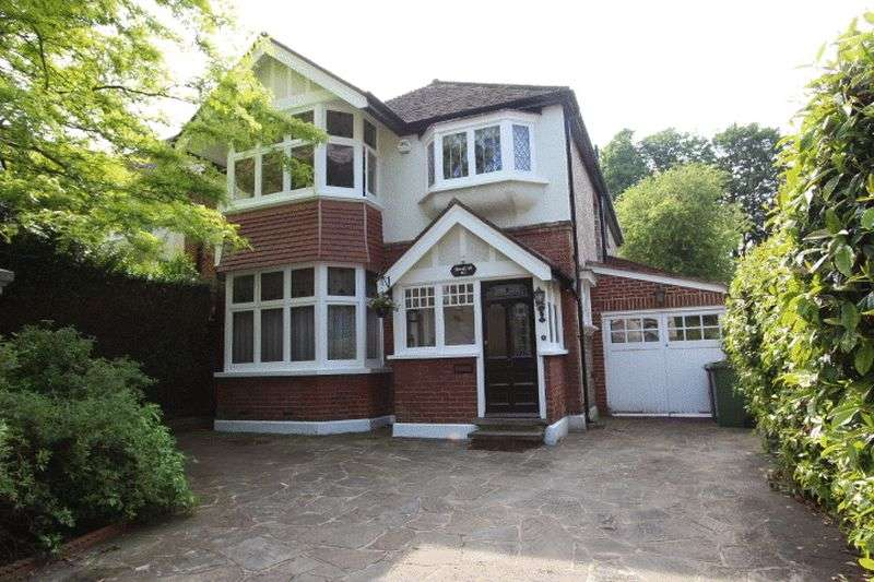 4 Bedrooms Detached House for sale in Carshalton Park Road, Carshalton
