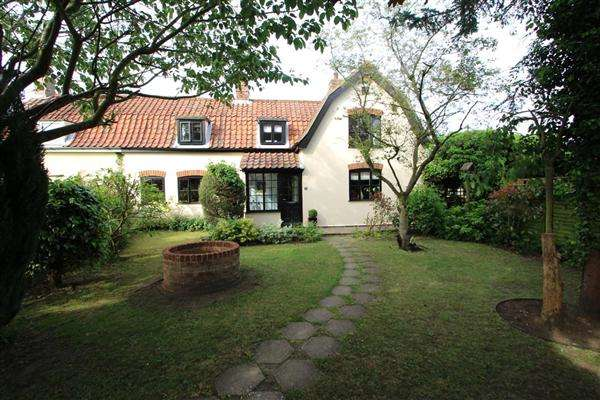 3 Bedrooms Semi Detached House for sale in Playford Lane, Rushmere St. Andrew, Ipswich