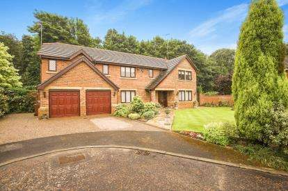 5 Bedrooms Detached House for sale in The Walled Garden, Whittle-Le-Woods, Chorley, Lancashire, PR6