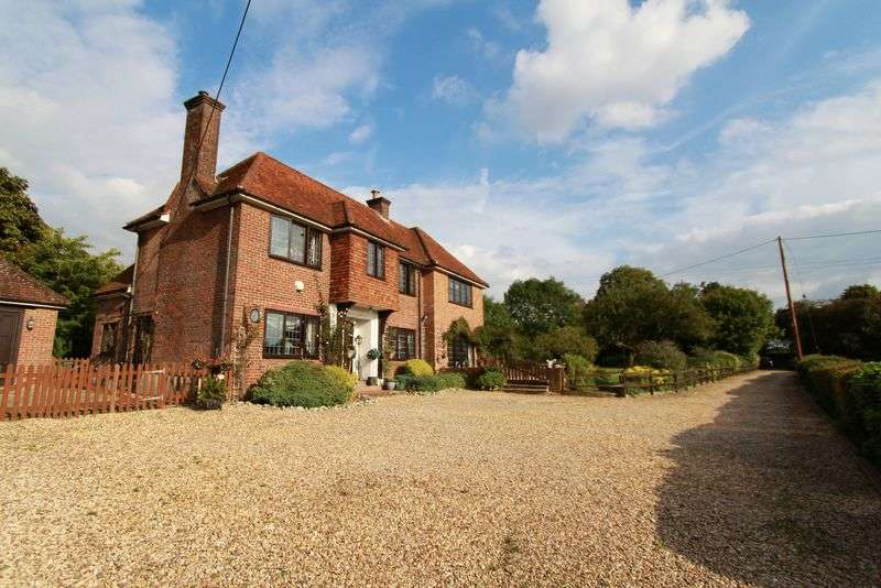 4 Bedrooms Detached House for sale in Link Road, Great Missenden