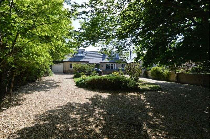 4 Bedrooms Semi Detached Bungalow for sale in Crabthorn Farm Lane, Hill Head, Fareham