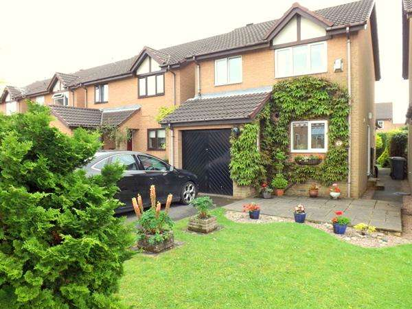 3 Bedrooms Detached House for sale in Bricky Close, Clowne, Chesterfield